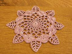 hydrangea doily: Crochet a little