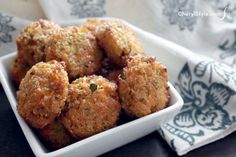 These cheesy quinoa bites are easy to make and eat! - CherylStyle