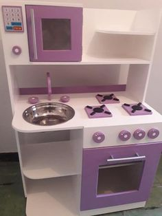Girls Play Kitchen, Diy Kids Kitchen, Kitchen Sets For Kids, Big Kitchen, Dollhouse Bookcase, Dolly House, Bunk Beds Built In, Best Friend Wallpaper, Big Girl Bedrooms