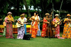 Kodak Hula Show at Kapiolani Park, Honolulu, Hawaii.  The show began in 1937 and ended in 2002.