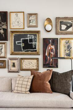 Home Living Room, Living Room Decor, Living Spaces, Bedroom Decor, Living Room Artwork, Living Room Gallery Wall, Home Interior Design, Interior Decorating, Passion Deco