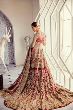 SIRENE – Suffuse Pakistani Bridal wear Source by Wedding Dresses Asian Bridal Dresses, Asian Wedding Dress, Indian Bridal Outfits, Pakistani Wedding Outfits, Wedding Dresses For Girls, Bridal Gowns, Pakistani Formal Dresses, Indian Bridal Wear, Pakistani Bridal Lehenga