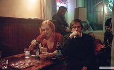 «Вечное сияние чистого разума» (англ. Eternal Sunshine of the Spotless Mind) — романтическая драма с элементами фантастики, снятая Мишелем Гондри по сценарию Чарли Кауфмана в 2004 году. Джим КерриДжоэл Бэрриш, Кейт УинслетКлементина Кручински.