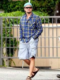 Back by popular demand- Birkenstock! Check out Leo spotted in Men's Birkenstock Arizona. Style Wish, Style Me, Passion For Fashion, Love Fashion, Men Fashion, Fashion Trends, Leonard Dicaprio, Birkenstock Men, Birkenstock Arizona