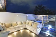 eclairage terrasse bois lanterne exterieur lumiere jardin idee luminaire pas cher canapé avec spots led integre