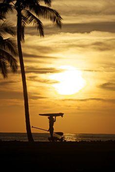 Stand Up Paddle surfer girl Vanina Walsh Sup Girl, Gili Air, Se Lever, Sup Stand Up Paddle, Blue And Green, Sup Yoga, Water Me, Big Waves, Mellow Yellow