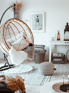 Visit This Warm, Natural Boho German Home For The Holidays House Rooms Luxury House Rooms iDeas Living Room Decor, Bedroom Decor, Bedroom Ideas, Bedroom Swing Chair, Master Bedroom, Aesthetic Rooms, Easy Home Decor, Nature Home Decor, Cozy House