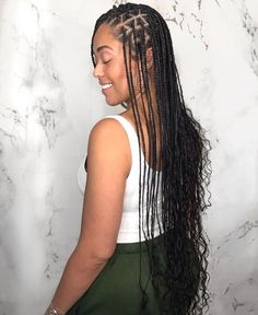 Small Goddess Box Braids on ?❤️ (Hip Length) We used 2 bundles of hair from (Indian Wavy & Indian Curly) -… Small Goddess Box Braids on ?❤️ (Hip Length) We used 2 bundles of hair from (Indian Wavy & Indian Curly) -… Blonde Box Braids, Short Box Braids, Braids With Curls, Braids For Black Hair, Twist Braids, Medium Box Braids, Havana Twists, Dutch Braids, Small Braids
