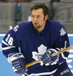 Darcy Tucker - Toronto Maple Leaf- One of my favorites from recent times. Gritty and feisty! Hot Hockey Players, Nhl Players, Hockey Teams, Ice Hockey, Hockey Stuff, Sports Teams, Toronto Maple Leafs, Maple Leafs Hockey, Culture T Shirt