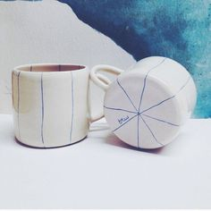 Ragno Mug - porcellana su ordinazione di btwceramics su Etsy https://www.etsy.com/it/listing/187171534/ragno-mug-porcellana-su-ordinazione