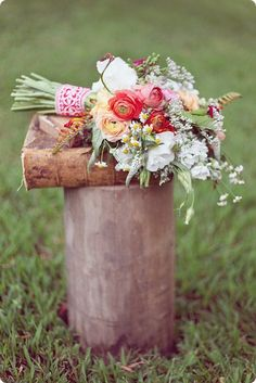 Peach Wedding Ideas - Once Wed Rustic Bouquet, Rustic Flowers, Love Flowers, Wild Flowers, Beautiful Flowers, Farm Wedding, Wedding Shoot, Diy Wedding, Rustic Wedding
