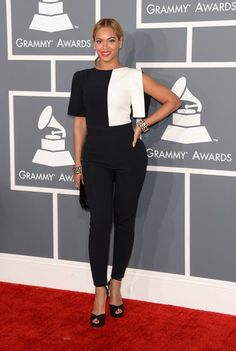 Beyoncé in all her glory at the #grammys.      Get all our glitz & glam at http://www/modlife4.me #modlife4me