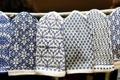party favors: blue and white mittens, gloves or socks. These are Latvian, but there's a lot of Finnish patterns you can use Mittens Pattern, Knitted Gloves, Knitting Socks, Hand Knitting, Fingerless Mittens, Loom Knitting, Knitting Machine, Vintage Knitting, Tejidos