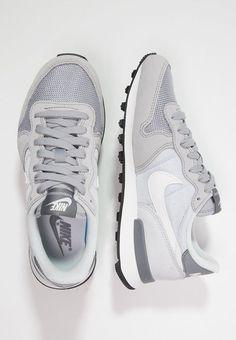 3a94029a3e7a Die 10 besten Bilder von Nike Frauen Schuhe   Nike shoes, Training ...
