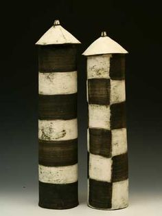 Comment ne pas penser à l'artisanat du Rwanda en voyant ça.    San Antonio ceramist, Mary Fischer.