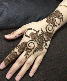 Floral Henna Designs, Finger Henna Designs, Beginner Henna Designs, Full Hand Mehndi Designs, Mehndi Designs 2018, Modern Mehndi Designs, Mehndi Designs For Girls, Wedding Mehndi Designs, Henna Designs Easy