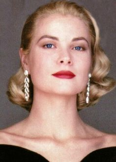 """gatabella: """"Grace Kelly was glacially cool, like a wonderful sherbet in the middle of the desert. Cooling, icy, clean. She was a genetic miracle, a superior woman.""""- Oleg Cassini"""