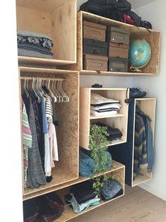 Our homemade / DIY walk in closet - vores hjemmebyggede / gør det selv garderobe i Nybyggerne www.liseogmichael.dk