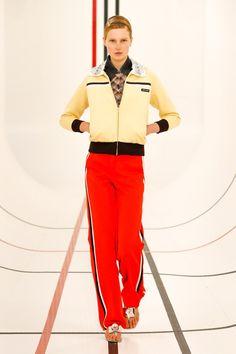 Miu Miu Prêt-À-Porter Printemps-Été 2021 - Défilés | Vogue Paris Fashion Week, Fashion Photo, Runway Fashion, Fashion Beauty, Fashion Trends, Paris Fashion, Miu Miu, Irina Shayk, Prada