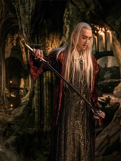 Costumes: Elvish Garb – The Hobbit : the Desolation of Smaug - Thranduil ( aka Lee Pace ) Legolas Und Thranduil, Lee Pace Thranduil, Tauriel, Lotr, Hobbit Pictures, Elf King, J. R. R. Tolkien, O Hobbit, Desolation Of Smaug