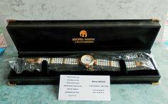 Montre femme avec bracelet en perles d'eau douce, MICHEL MENDE Paris
