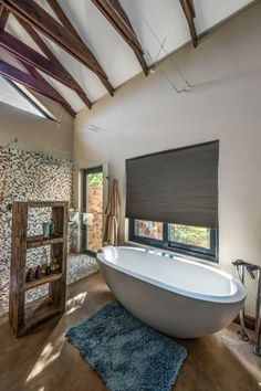Modern Bathroom by OLIVEHILL Architects