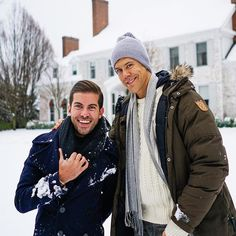 "luisdortiz - ""  Came up to visit my friends @fredrikeklundny and @derekkaplanart and their house is beautiful! Happy for both of them! ❄️❤️ @hppyhlic  """