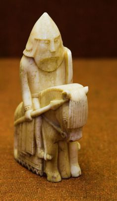 Knight from the Lewis chessmen, century, Scotland. Dad had a chessboard he moulded with the Lewis chessmen Medieval Games, Medieval Art, Chess Pieces, Game Pieces, Vikings, Sculptures Céramiques, Viking Age, Viking Ship, Celtic Art