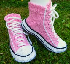 Converse Chuck Taylor High, Converse High, High Top Sneakers, Crochet Shoes, Chuck Taylors High Top, Ravelry, High Tops, Socks, Knitting