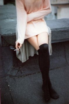 knee-hi socks / blush