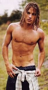 Some more Travis Fimmel - just cause!