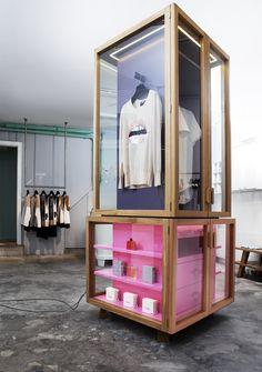 Commercial interiors, fashion retail interior, modular shelving, shelving d Fashion Retail Interior, Retail Merchandising, Retail Displays, Shop Displays, Window Displays, Modular Shelving, Shelving Display, Retail Space, Stand Design
