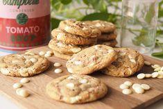 Kulinaari-ruokablogi: Parhaat valkosuklaa-vadelma cookiet Cookies, Desserts, Food, Crack Crackers, Tailgate Desserts, Deserts, Biscuits, Essen, Postres