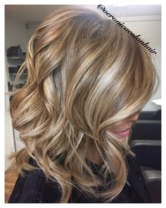 Fall hair colors, haircut and color, hair highlights, shades of blonde hair Haircut And Color, Hair Color And Cut, Relaxed Hair, Medium Hair Styles, Short Hair Styles, Blonde Hair Shades, Fall Blonde Hair, Make Up Braut, Fall Hair Colors