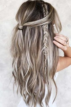 Half-Up & Dutch Braid ❤ There are so many ways to wear messy hair! Buns for short bob, braid updo styles for medium hair, waves and ponytails for long hair, and lots of messy inspo are here! ❤ hair 35 Classy And Modern Messy Hair Looks You Should Try Box Braids Hairstyles, Pretty Hairstyles, Hairstyles Haircuts, Hairstyles Videos, Formal Hairstyles, Wedding Hairstyles, Summer Hairstyles For Medium Hair, Bridal Hairstyle, Baddie Hairstyles