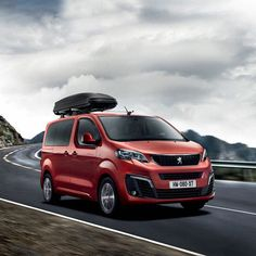 Peugeot Traveller Cool Vans, Amazing Cars, Camper Van, Peugeot, Wheels, Guns, Camping, Trucks, French