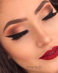 Pro Tips On How To Apply Eyeliner Perfectly How To Apply A Natural Looking Eyeliner Red Lip Makeup, Glam Makeup, Makeup Inspo, Eyeshadow Makeup, Makeup Inspiration, Beauty Makeup, Face Makeup, Alien Makeup, Devil Makeup