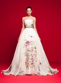390468eed1a3 A(z) Daalarna titkok // All about the bridal gown brand Daalarna ...