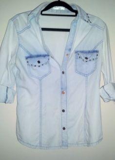 Kup mój przedmiot na #vintedpl http://www.vinted.pl/damska-odziez/koszule/11285782-sliczna-koszula-jeans-zlote-cwieki