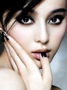 Eye Makeup Tips.Smokey Eye Makeup Tips - For a Catchy and Impressive Look Beautiful Asian Women, Beautiful Eyes, Simply Beautiful, Most Beautiful Faces, Best Face Primer, Pinterest Foto, Makeup Tips, Eye Makeup, Makeup Ideas