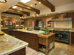 2011 NKBA Design Award: Large Kitchens – Second Place; People's Pick Kitchen  Hamilton-Gray Design, Inc.  Carlsbad, CA  Designer: Cheryl Hamilton-Gray, CKD
