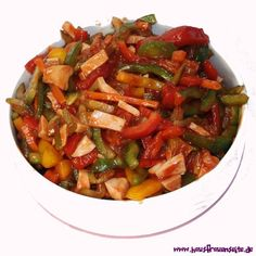 Paprikasalat - Salatrezept mit Bild unser Paprikasalat ist ein Sommersalat und passt perfekt zu einem Grillabend