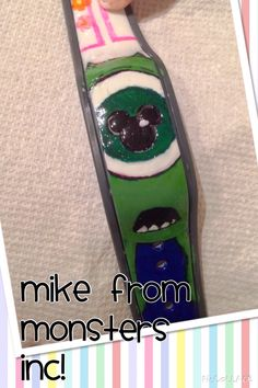 Has anyone decorated their Magic Bands? Please show us the pictures! Disney Diy, Disney Crafts, Disney Trips, Disney Magic Bands, Mike Wazowski, Walt Disney Pictures, Craft Day, Monsters, Presents