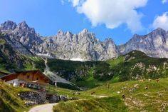 Foto: Der Wilde Kaiser ist eines der spektakulärsten Bergmassive der Alpen. Auf der dreitägigen Hüttenwanderung erwandern Sie die schönsten Plätze an der Südseite des Kaisergebirges.  http://www.weitwanderwege.com/wege/3-tage-huettenwanderung/  © Bild:  TVB Wilder Kaiser - Obere Regalm #wandern #weitwandern #weitwanderwege #trekking #hüttenwanderung #wilderkaiser #tirol