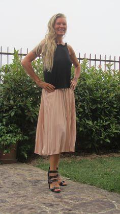 pink skirt http://bastonidifashion.blogspot.it/2014/07/gonna-rosa.html