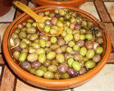 Degusta Jaén - Aceituna gordal negra rajada a mano