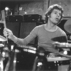 William Scott Bruford of May, Yes Band Members, Bill Bruford, Psychedelic Bands, King Crimson, Jethro Tull, Indian Music, Peter Gabriel, Call Art, Progressive Rock