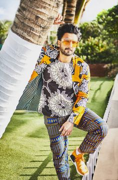 Ranveer Singh  #FASHION #STYLE #SEXY #BOLLYWOOD #INDIA #RanveerSingh Suraj Pancholi, Shahid Kapoor, Varun Dhawan, Ranveer Singh, Wardrobes, Bollywood, Kimono Top, India, Blazer