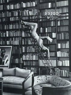 Your Daily Fabulous: Linda Evangelista Shows You How to Read