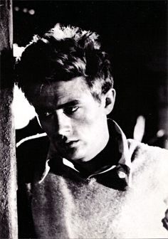 East of Eden, James Dean, 1955 People Photo - 30 x 41 cm Elia Kazan, Hollywood Stars, Classic Hollywood, Old Hollywood, Hollywood Icons, A L'est D'eden, Cinema Video, Acting Quotes, Acting Tips